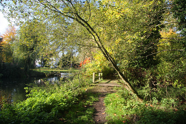 Little Ouse path at Brandon - geograph.org.uk - 1025848