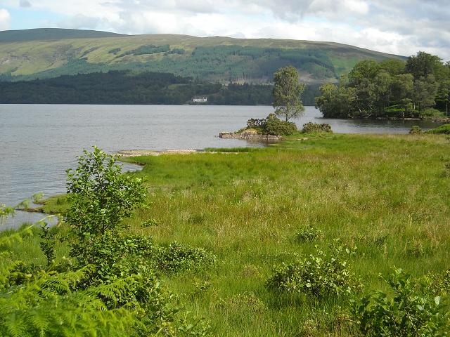 Loch Lochy at Bunarkaig - geograph.org.uk - 1396913