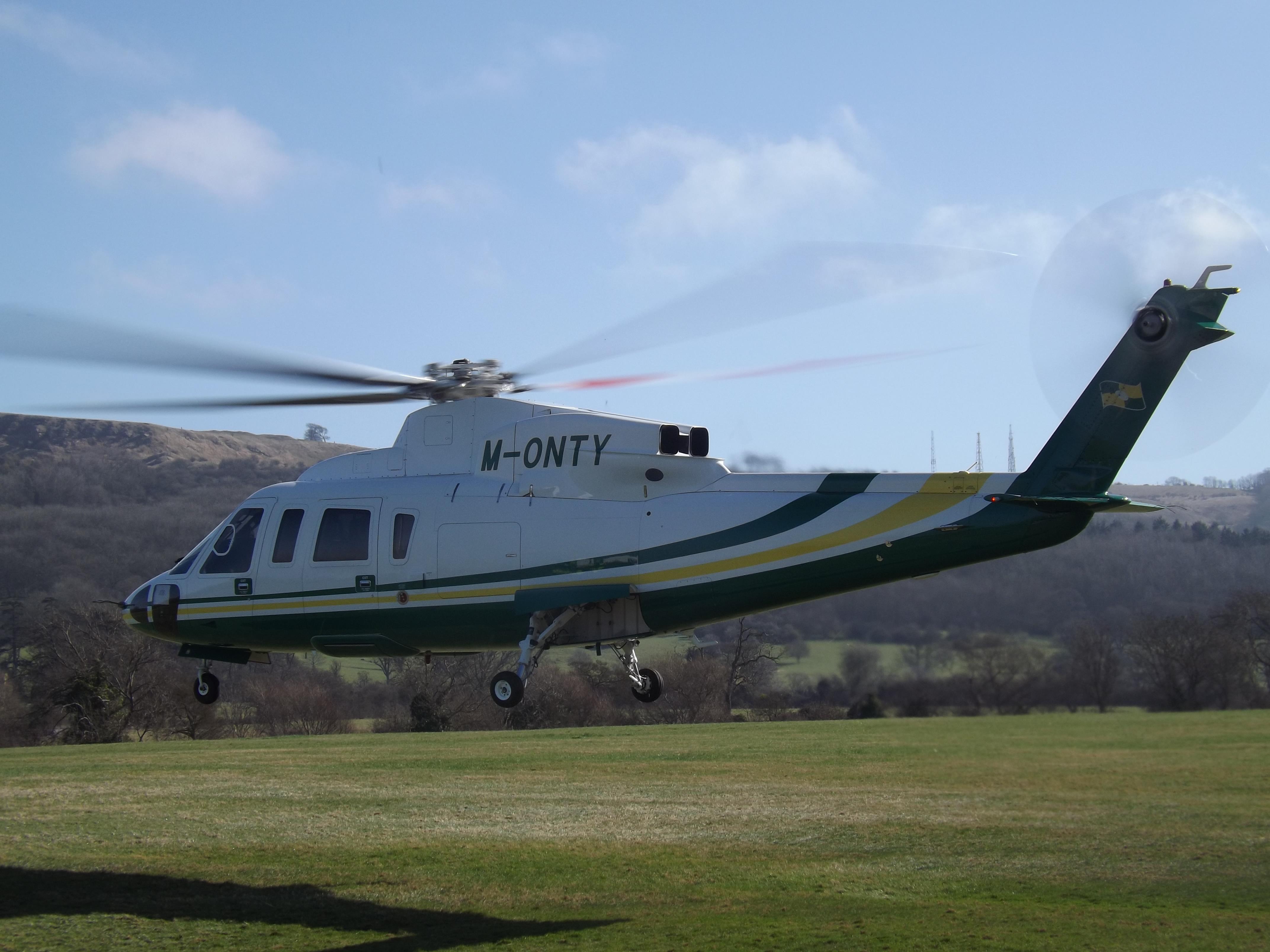 File:M-ONTY Sikorsky S-76B Helicopter Trustair Ltd.jpg - Wikimedia Commons