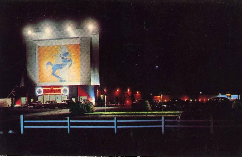 Memri Drive-In Theater at night