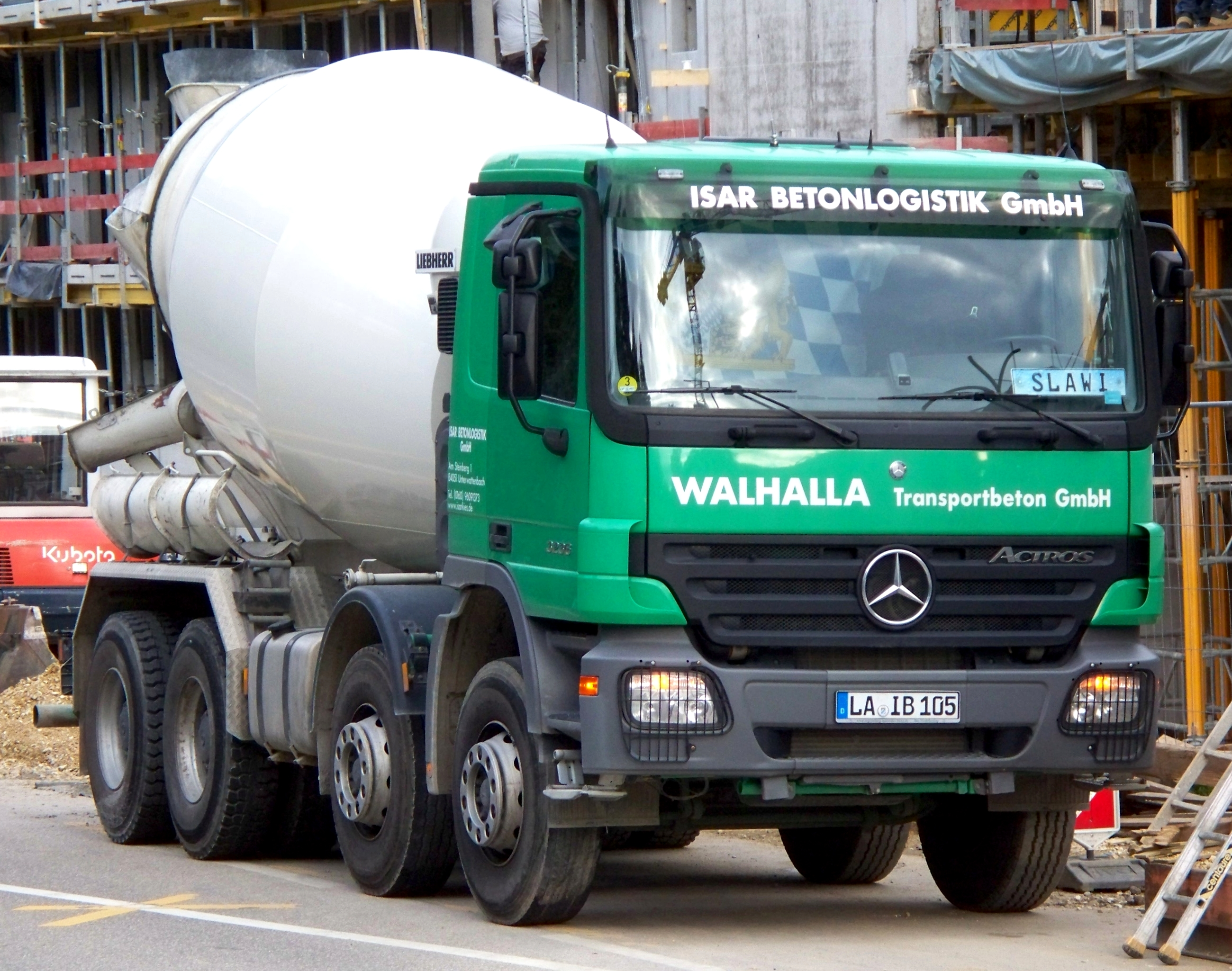 file mercedes benz actros cement mixer truck jpg wikimedia commons. Black Bedroom Furniture Sets. Home Design Ideas