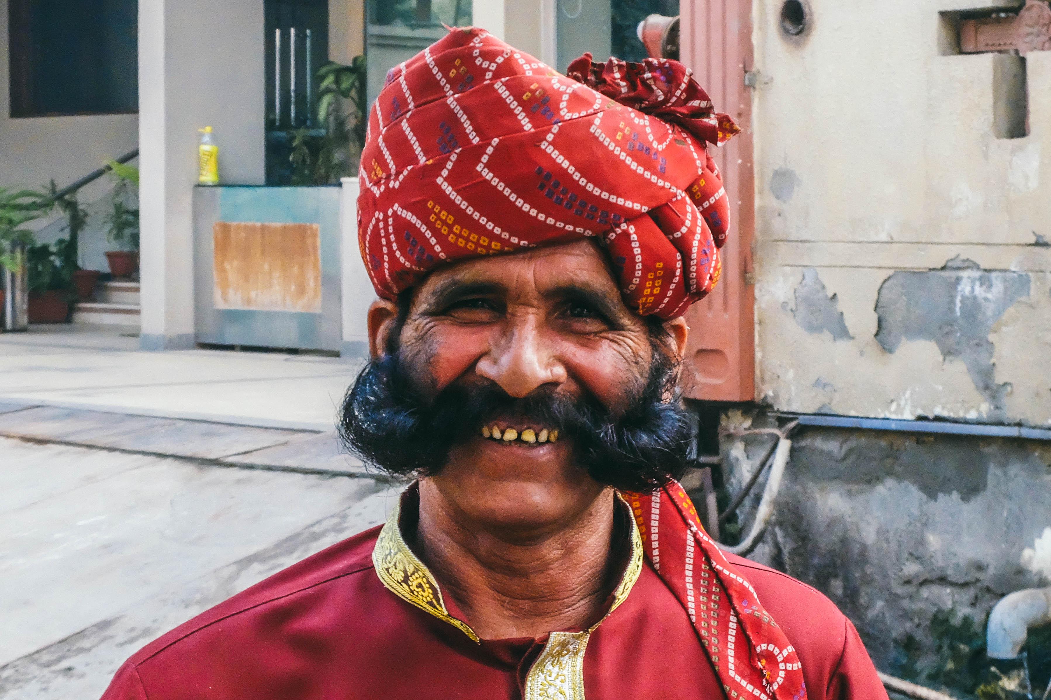 Cơm Ấn Độ Moustached_Indian_man_%2833203856370%29