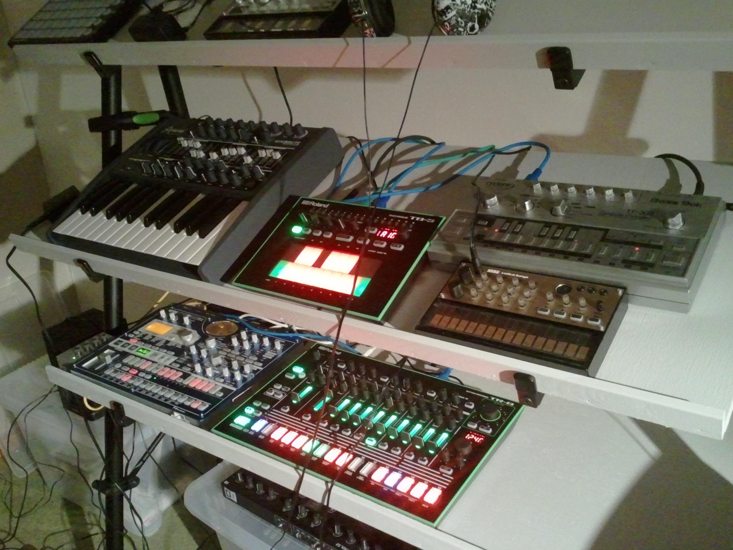 FileMusic Shelf On Studio
