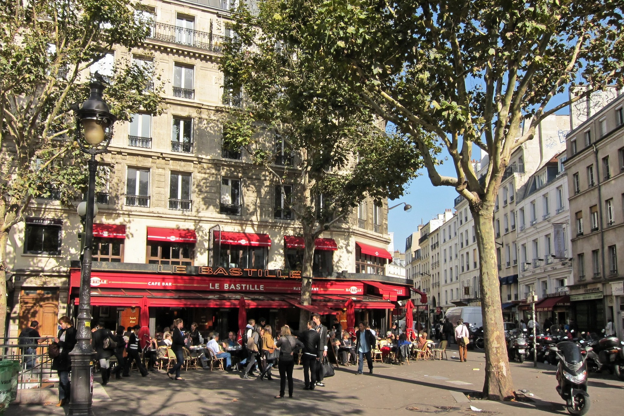 Restaurant La Place A Montfort L Amaury