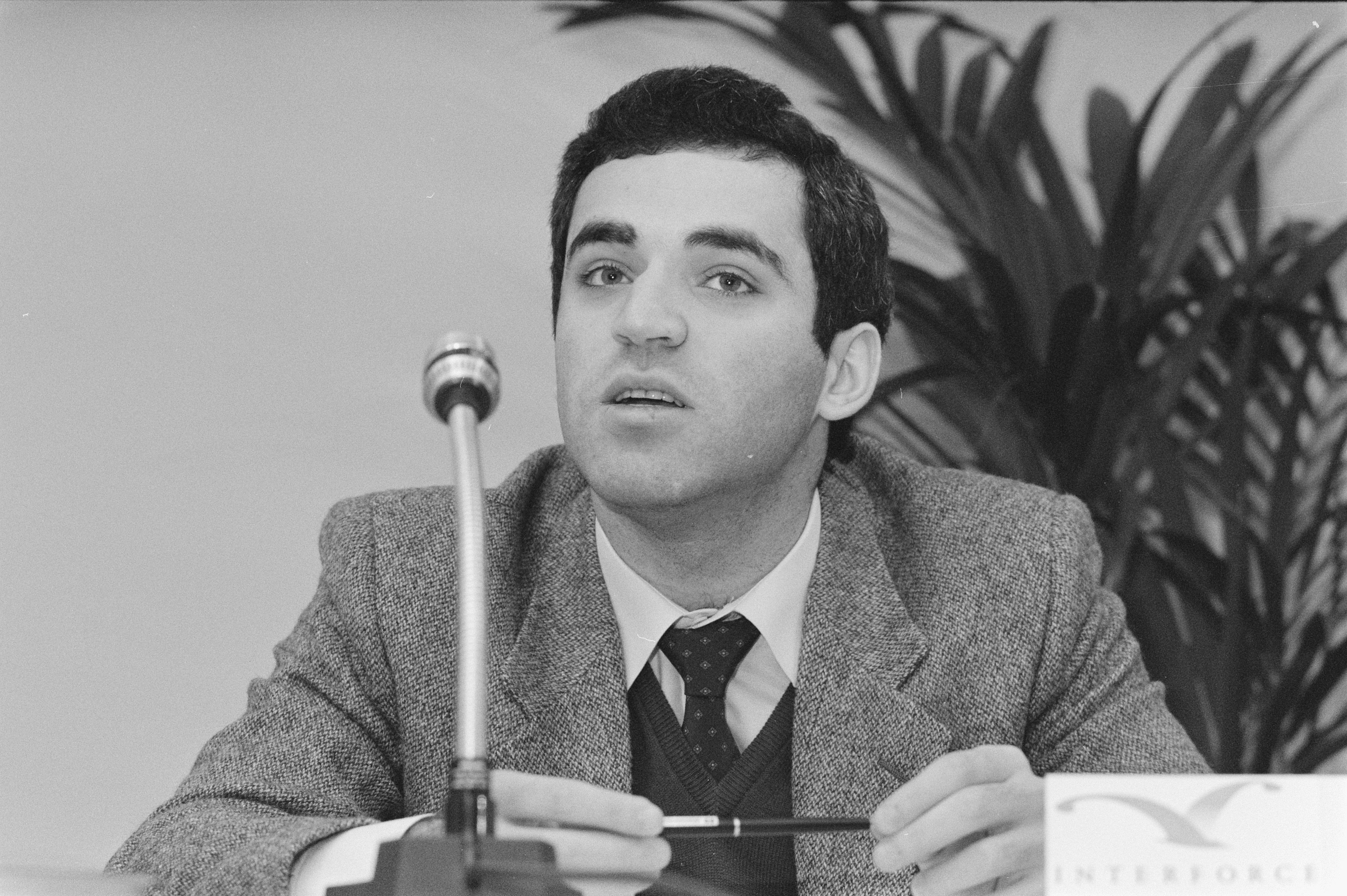 File:Persconferentie Grandmasters Association Garri Kasparov
