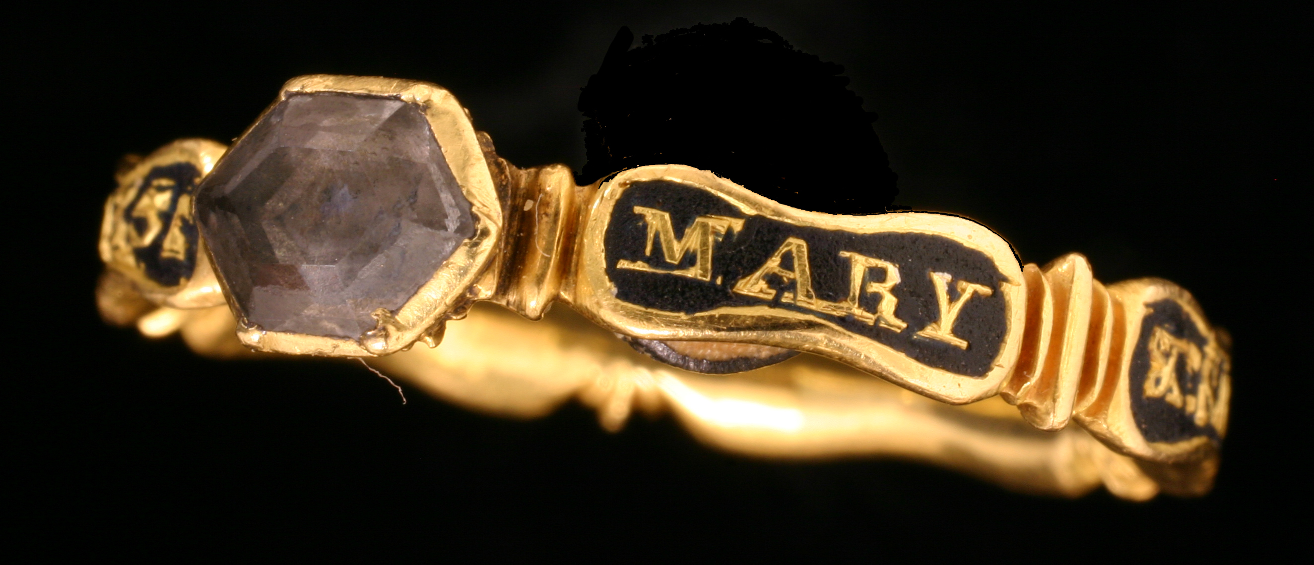 File:Post Medieval Mourning Ring (FindID 119434-89621).jpg