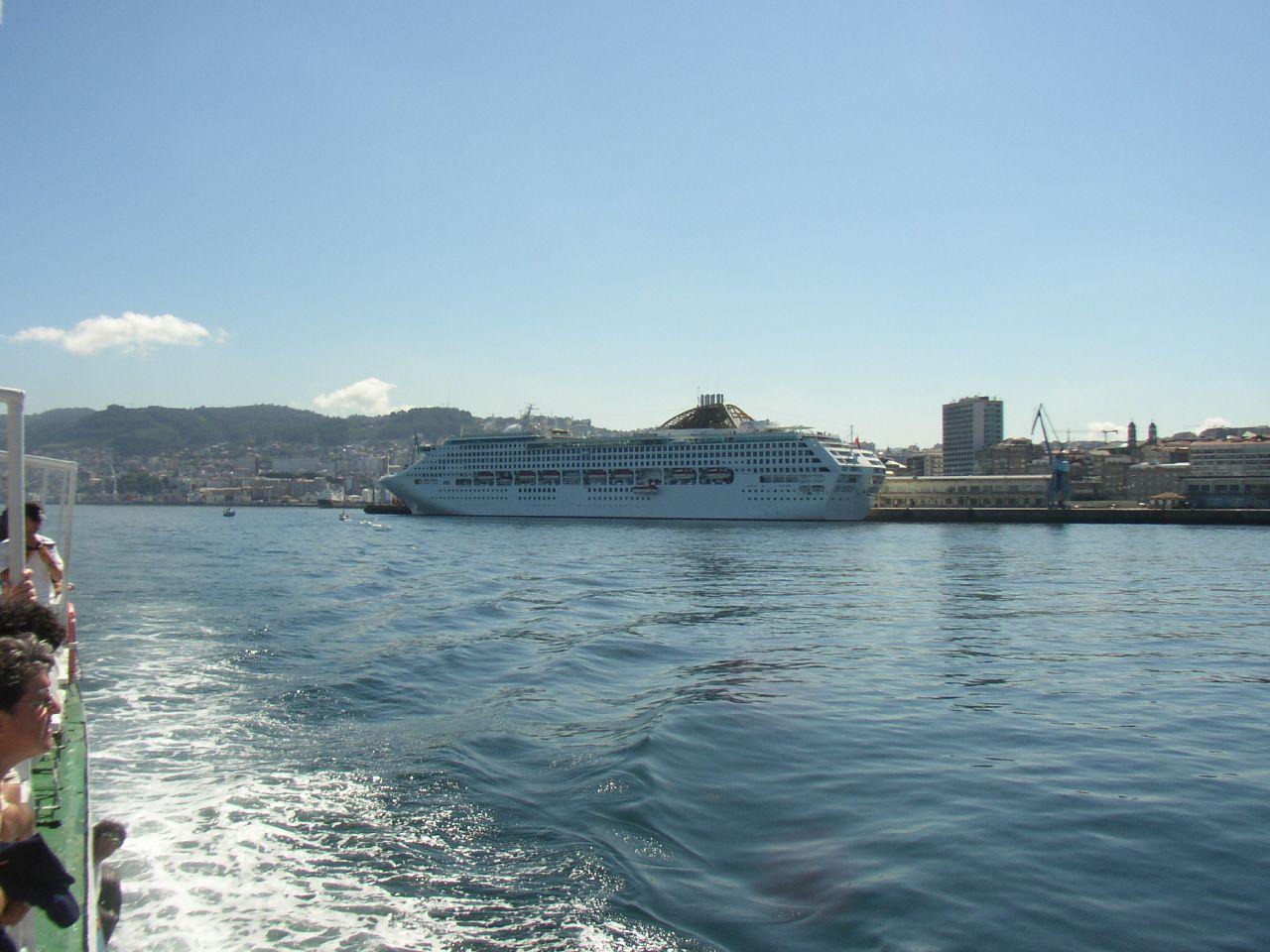 By José Antonio Gil Martínez from Vigo, Spain (Puerto de Vigo Uploaded by tm) [CC BY 2.0 (http://creativecommons.org/licenses/by/2.0)], via Wikimedia Commons0