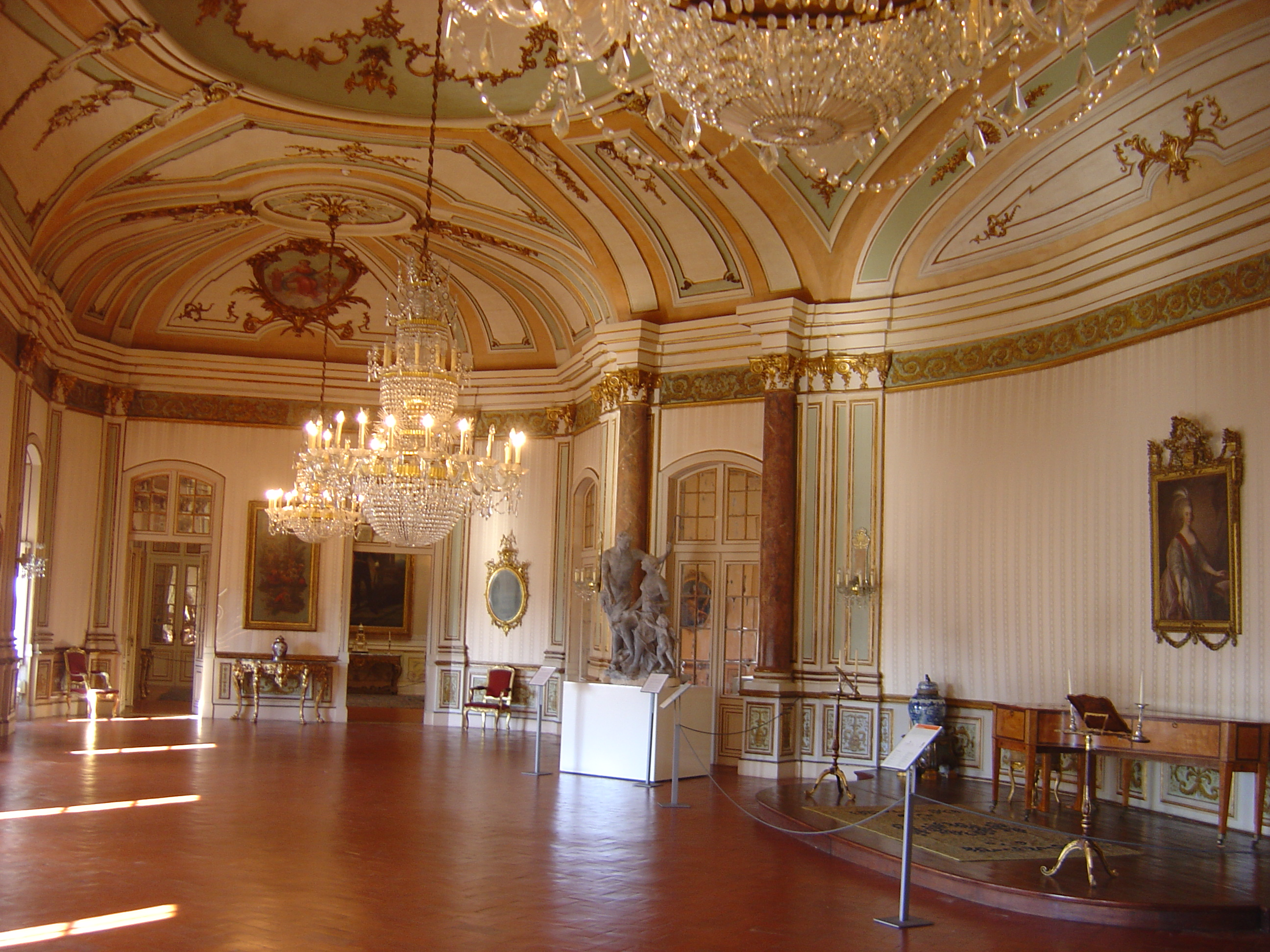 File:Queluz Palace interior 1.JPG - Wikimedia Commons