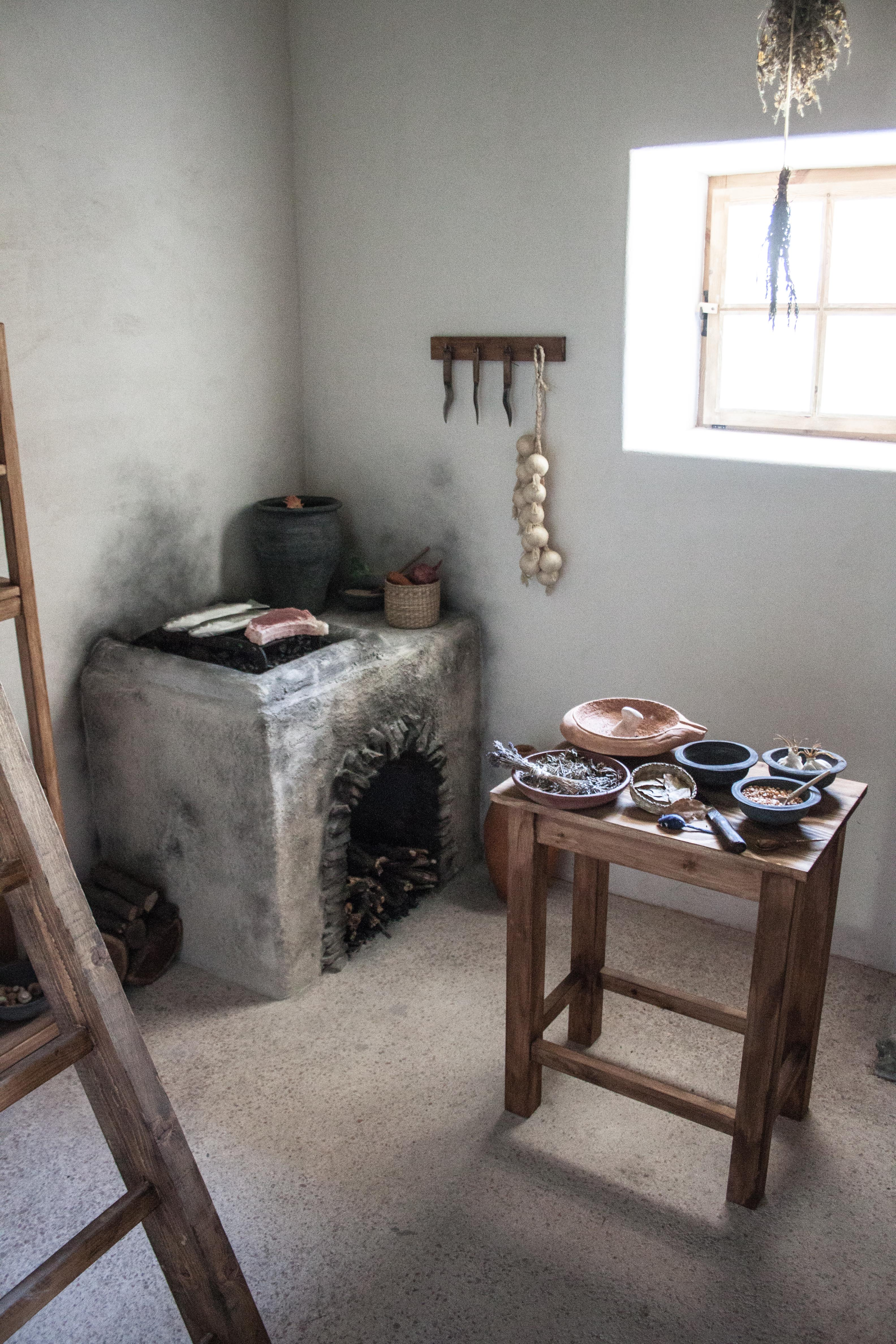 File Reconstructed Roman kitchen in the Painting House