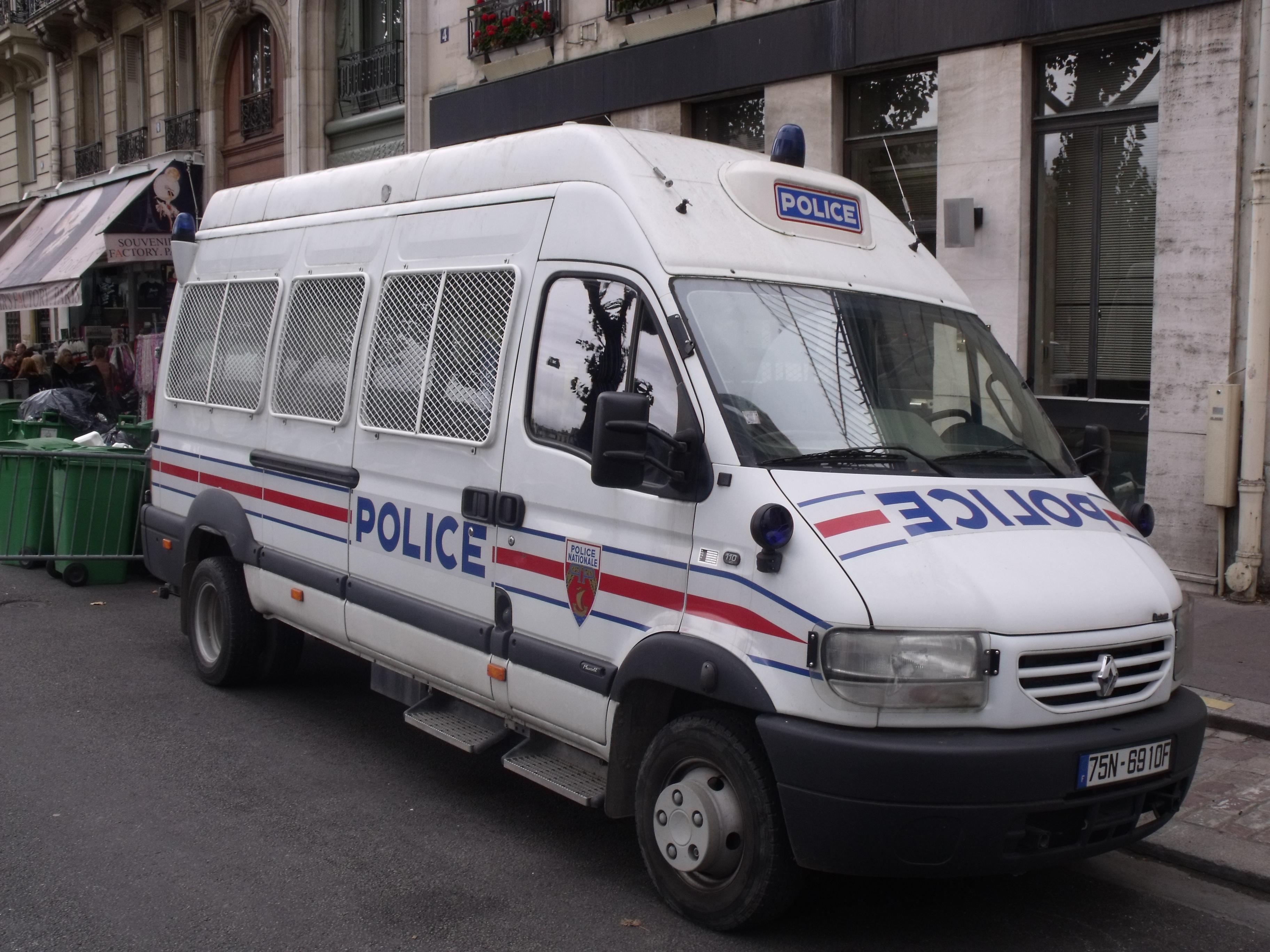 file renault mascott police nationale jpg wikimedia commons