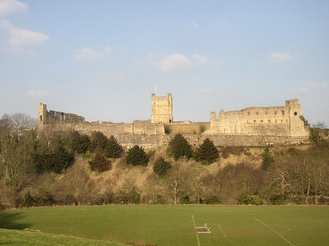 Richmond Castle - geograph.org.uk - 26316.jpg