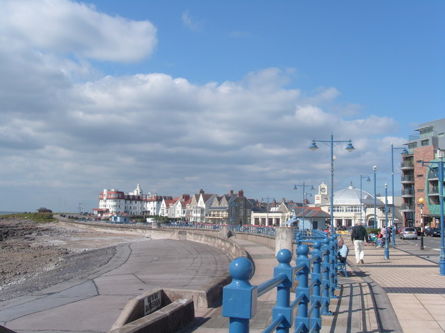File:Seafront at Porthcawl - geograph.org.uk - 1542009.jpg