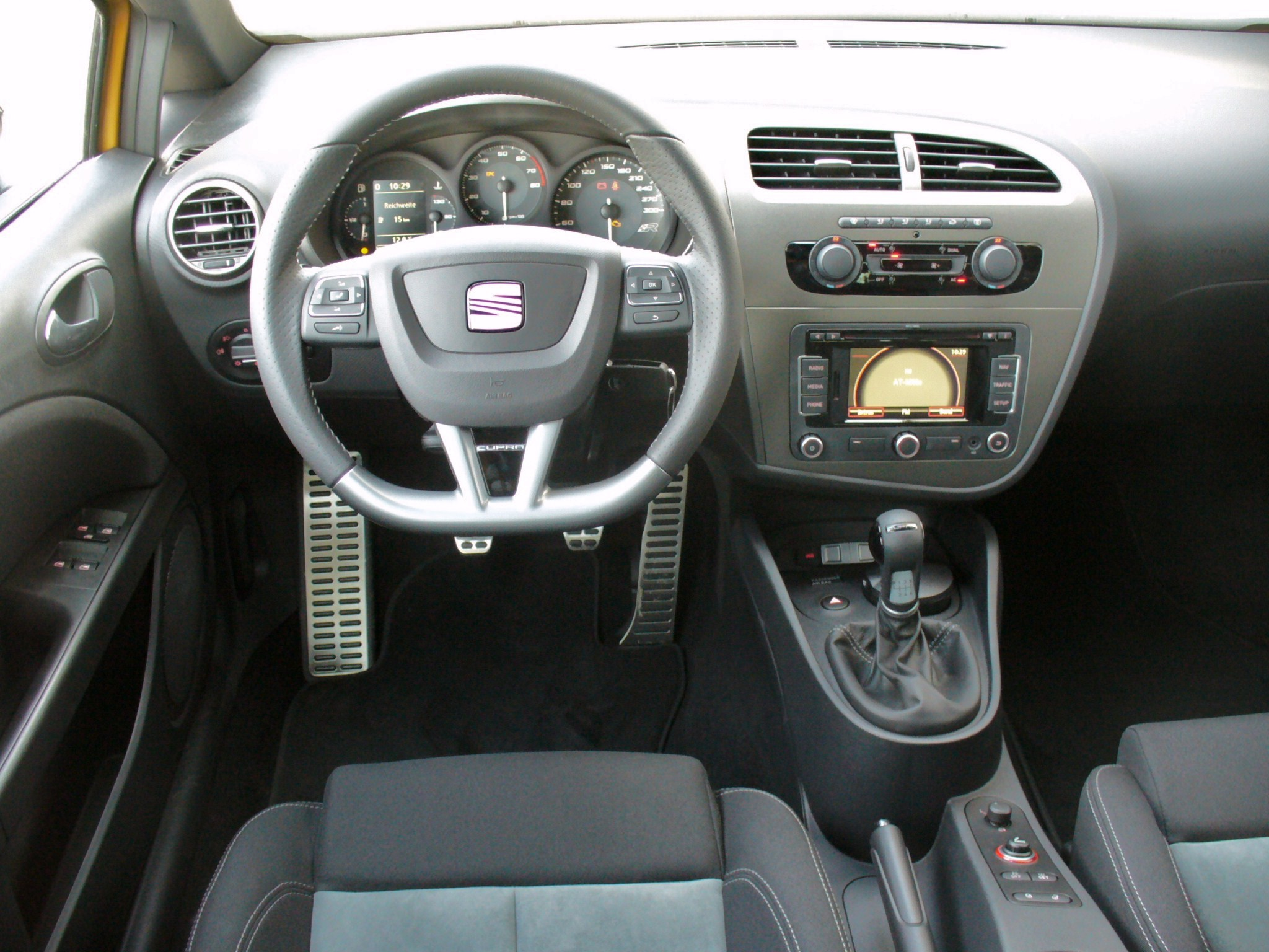 file seat leon 1p cupra r tribu interieur jpg wikimedia. Black Bedroom Furniture Sets. Home Design Ideas