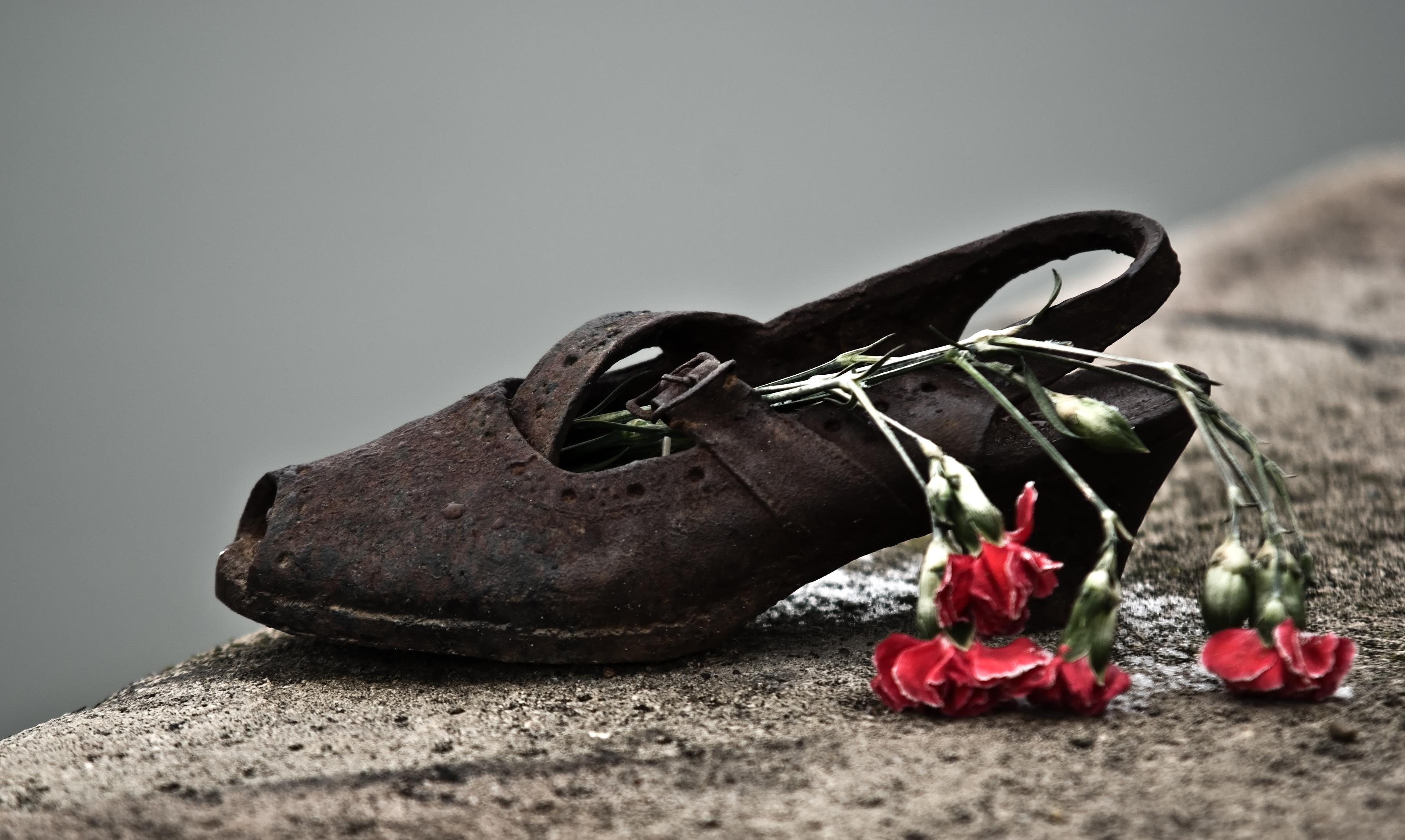 file shoes danube promenade imgp1267 jpg