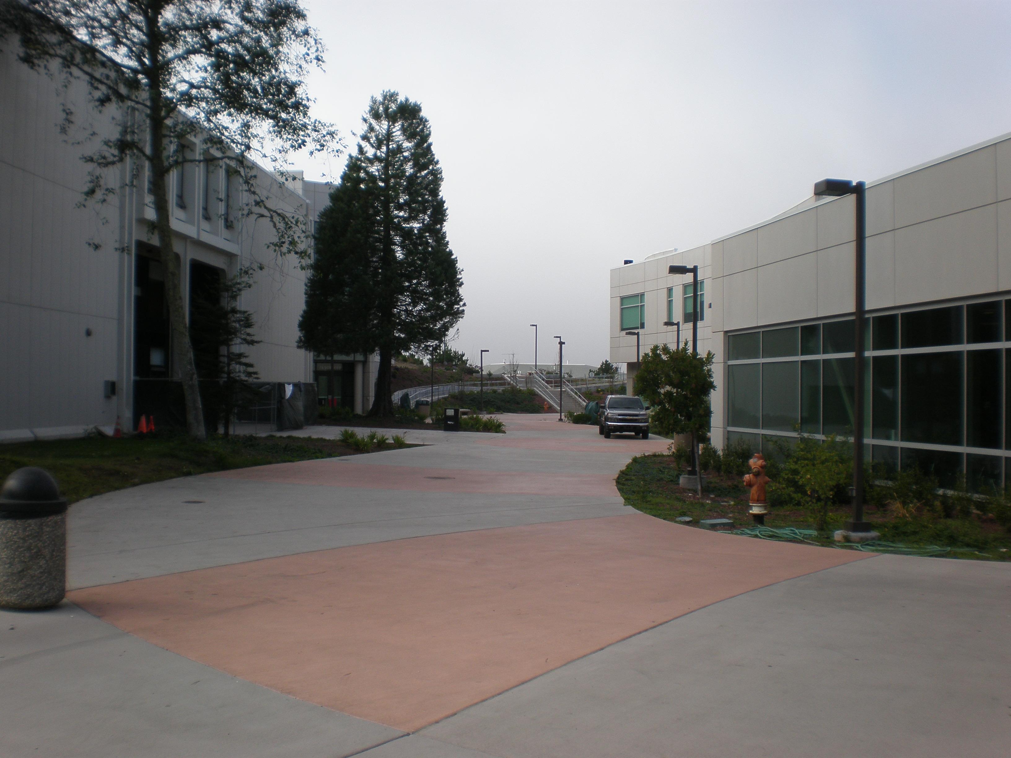 File:Skyline College Buildings 6 and 7A 2.JPG - Wikimedia ...