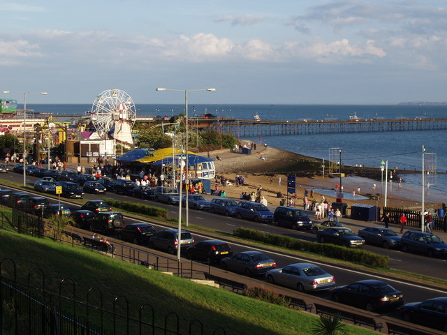Southend Seafront and Pier - geograph.org.uk - 227230
