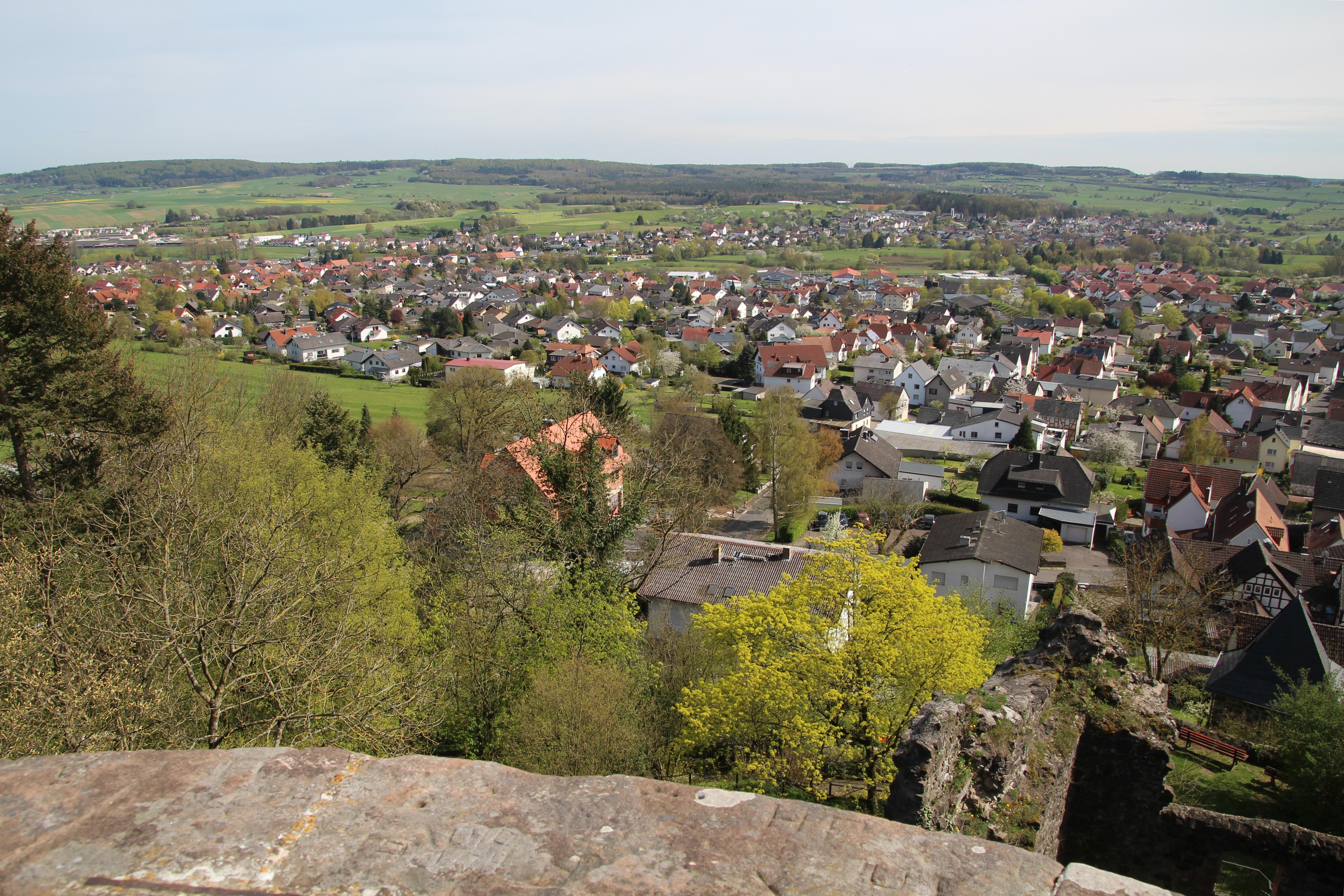 Datei:Staufenberg-Mainzlar-Daubringen (002).jpg – Wikipedia