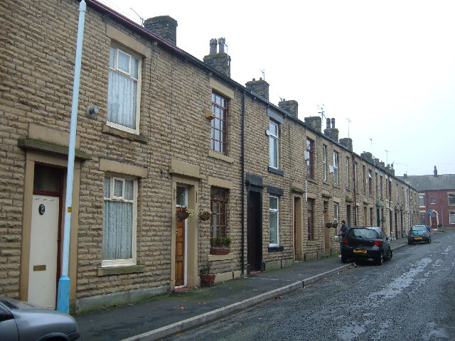File terraced housing shaw for Whats a terraced house