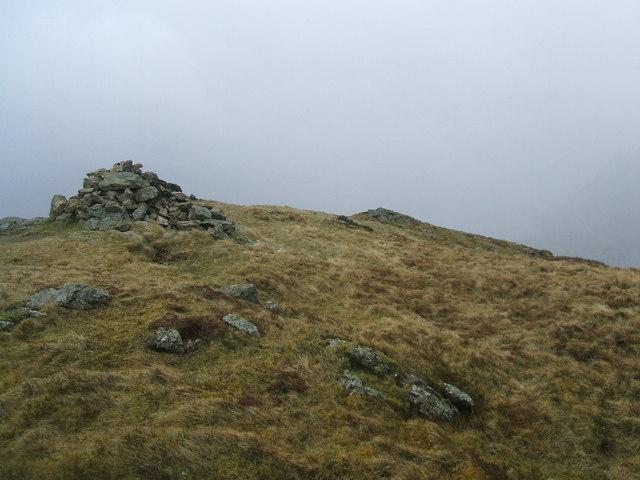 The 412m top of Loweswater Fell - geograph.org.uk - 1204152