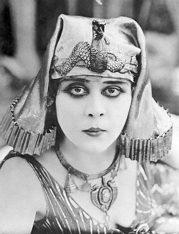 File:Theda-Bara-Cleopatra3.jpg