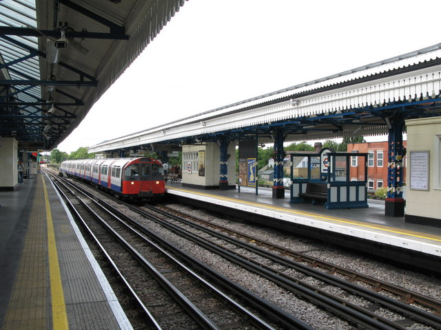 Turnham Green tube station - geograph.org.uk - 899063