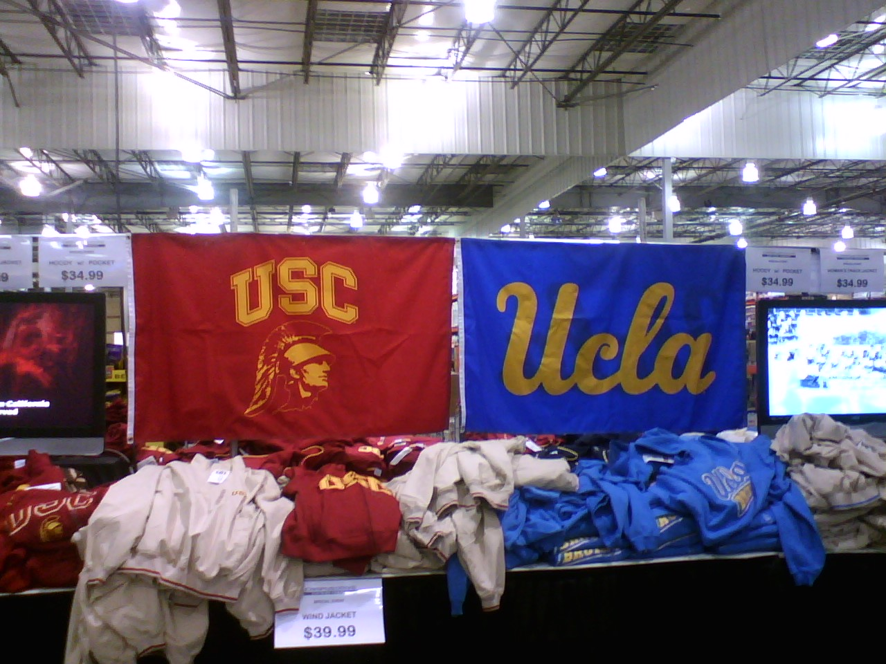 finest selection 4ac39 99850 File:UCLA and USC gear on sale at Costco.jpg - Wikimedia Commons