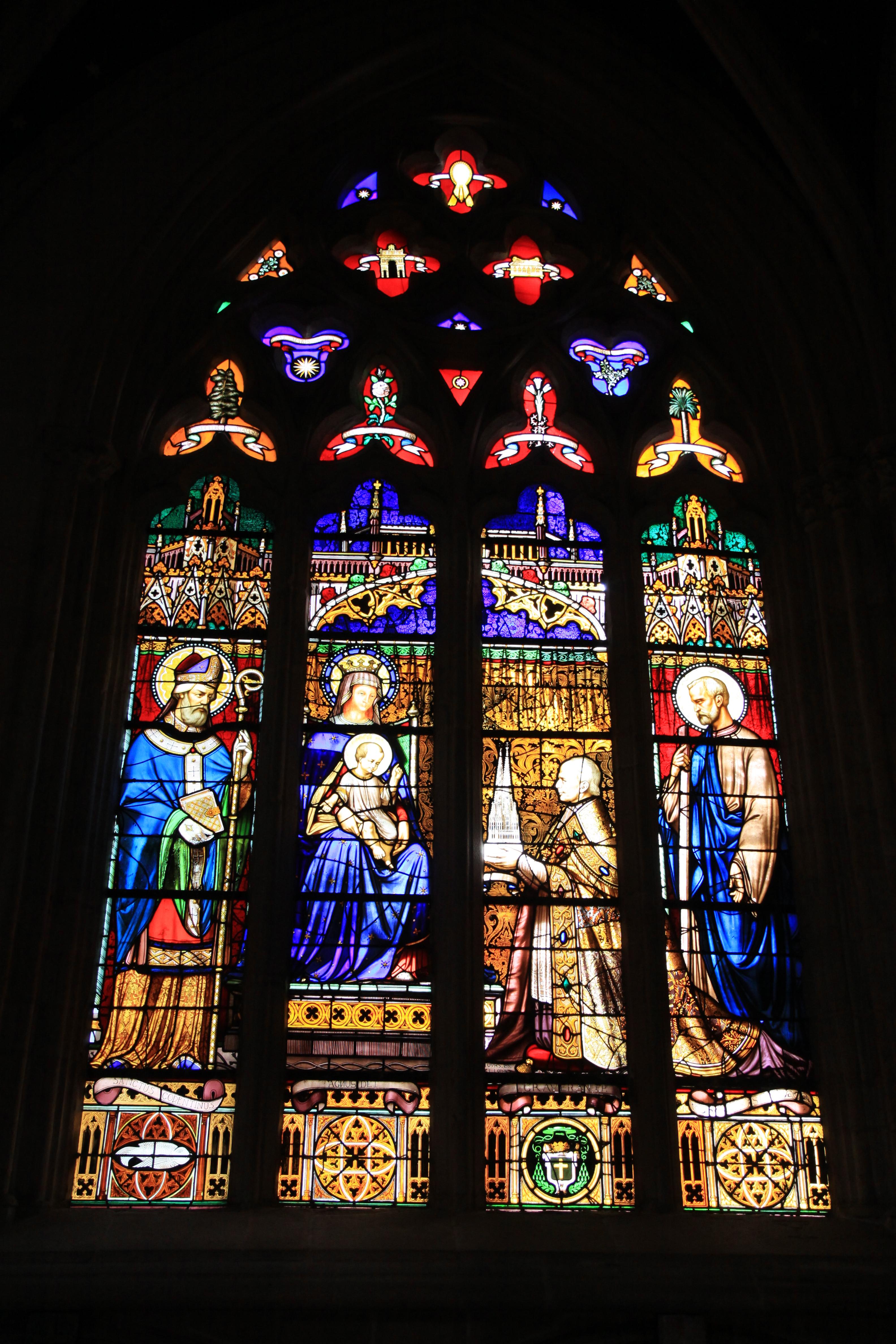 File:Un Vitrail De La Cathédral Saint Corentin à Quimper   005.JPG