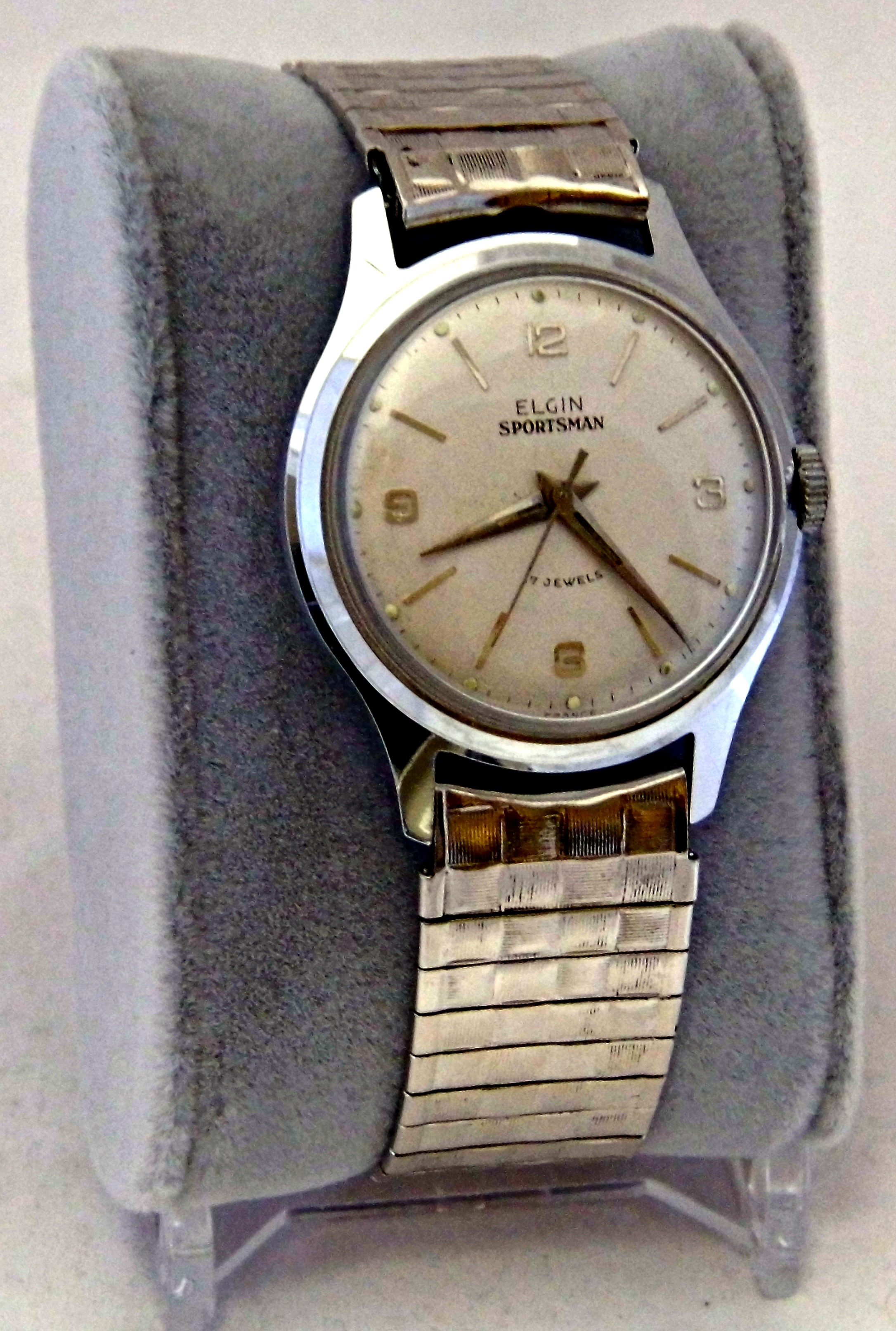 File vintage elgin sportsman men 39 s manual wind wrist watch 17 jewels made in france for Watches of france