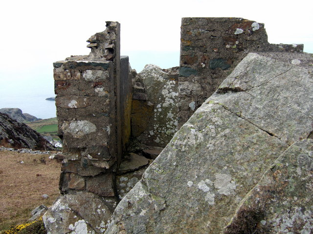 WW1 look-out point on Garn Fawr - geograph.org.uk - 395584