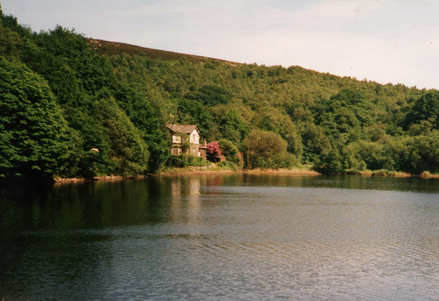Watermans Cottage, Anglezarke Reservoir - geograph.org.uk - 1454887
