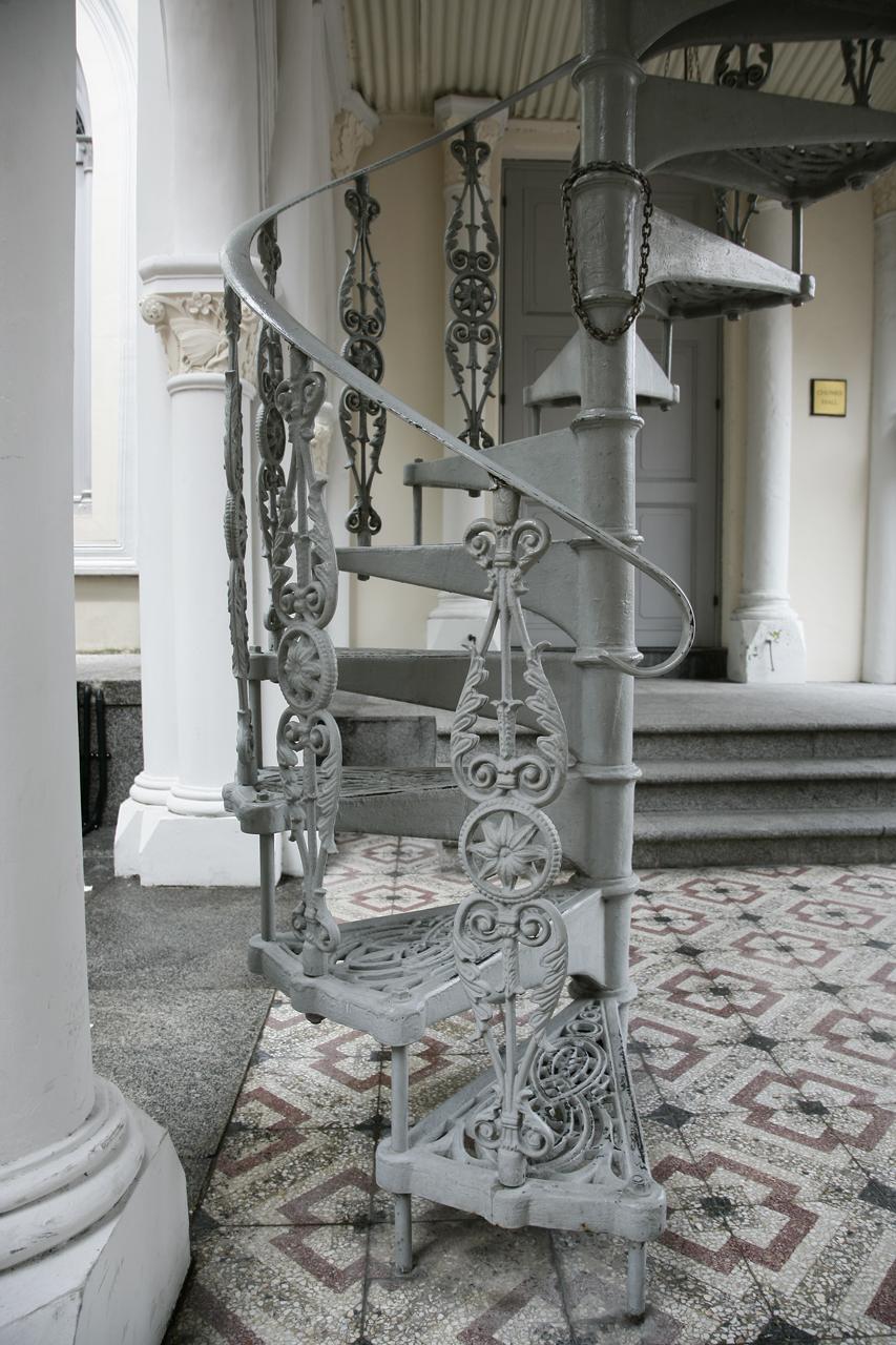 File:White Metal Spiral Staircase