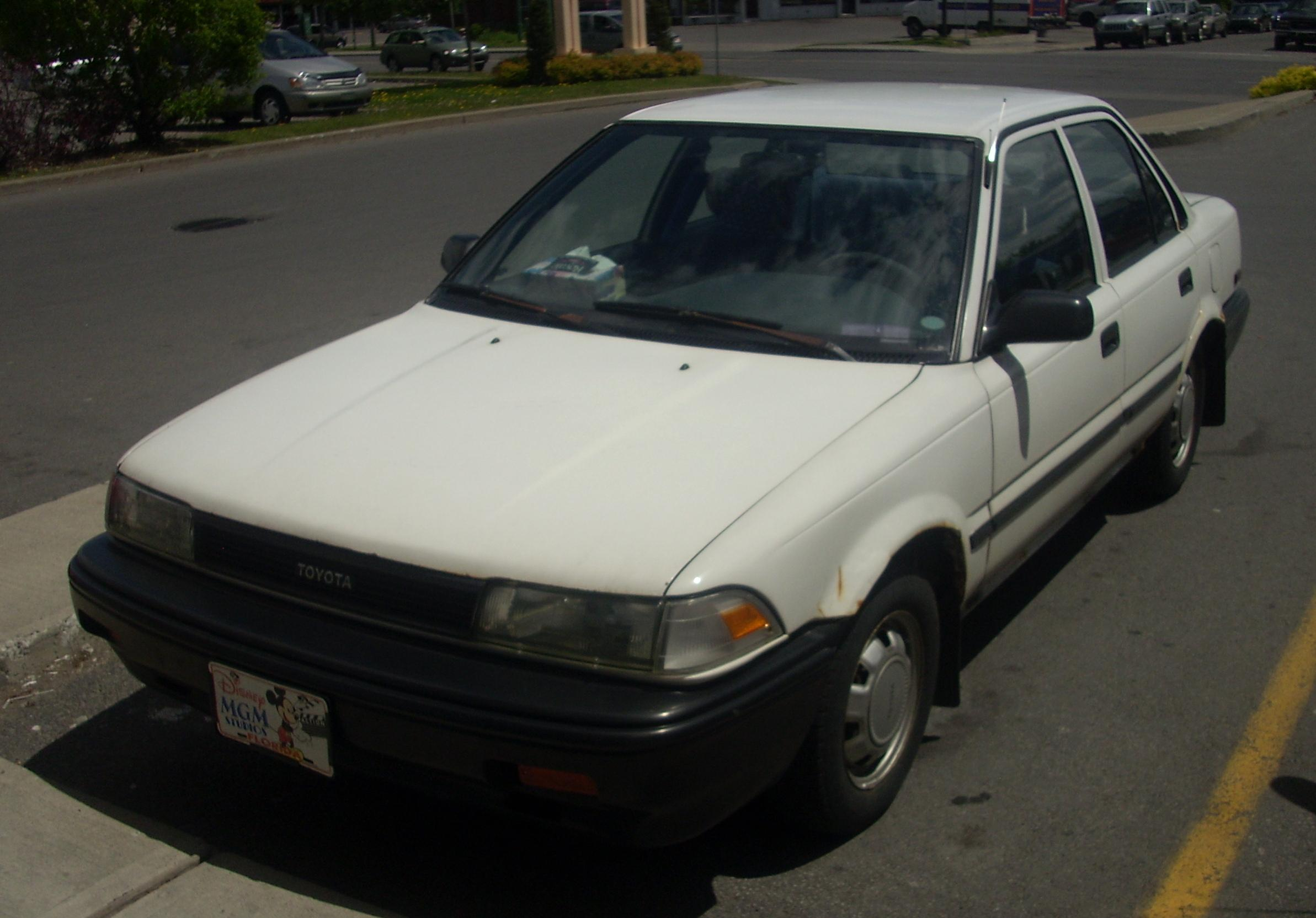 File 88 90 Toyota Corolla Sedan Jpg Wikimedia Commons