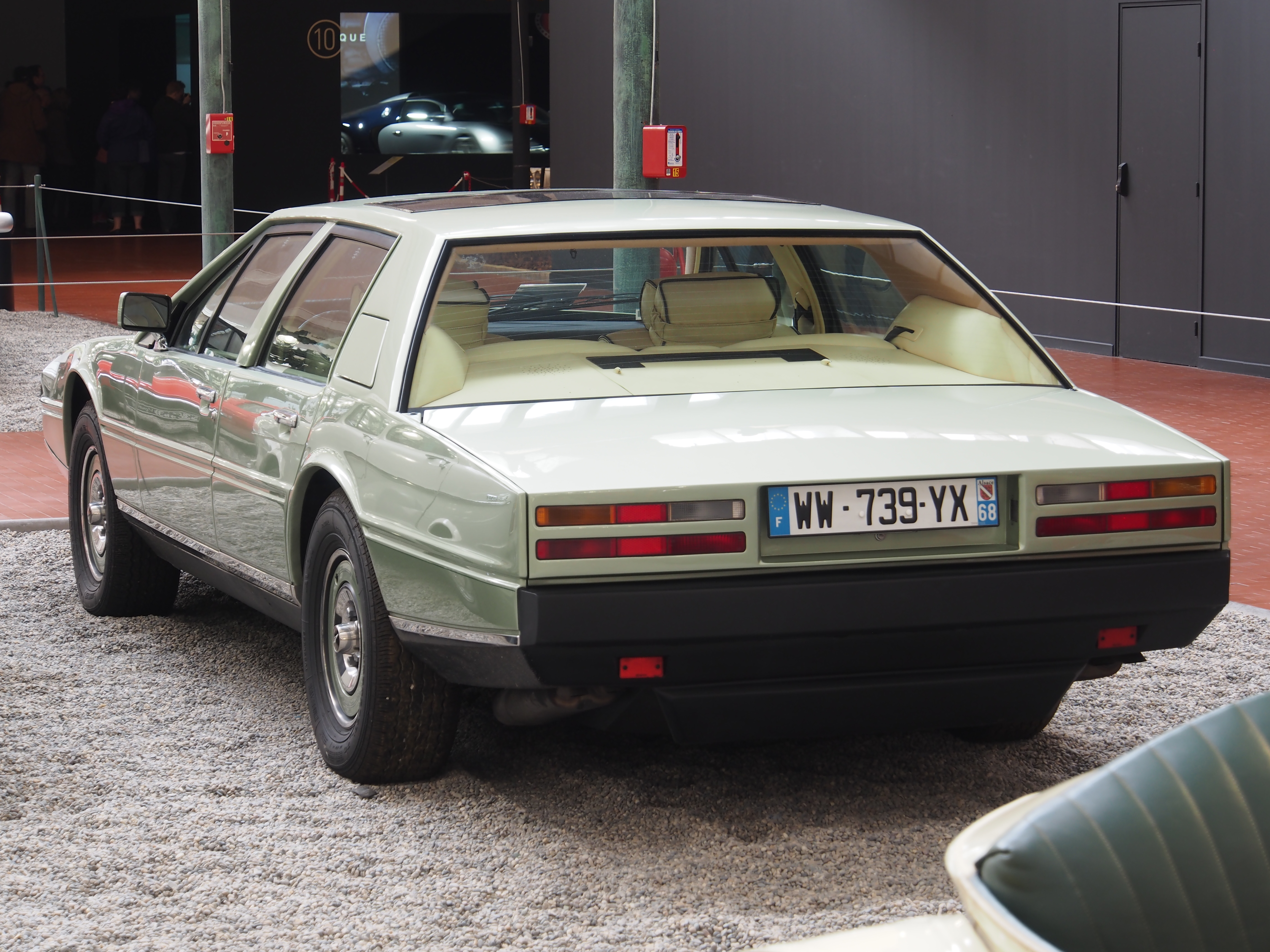 File 1982 Aston Martin Lagonda Series 2 V8 5340cm3 309hp 225kmh Pic7 Jpg Wikimedia Commons