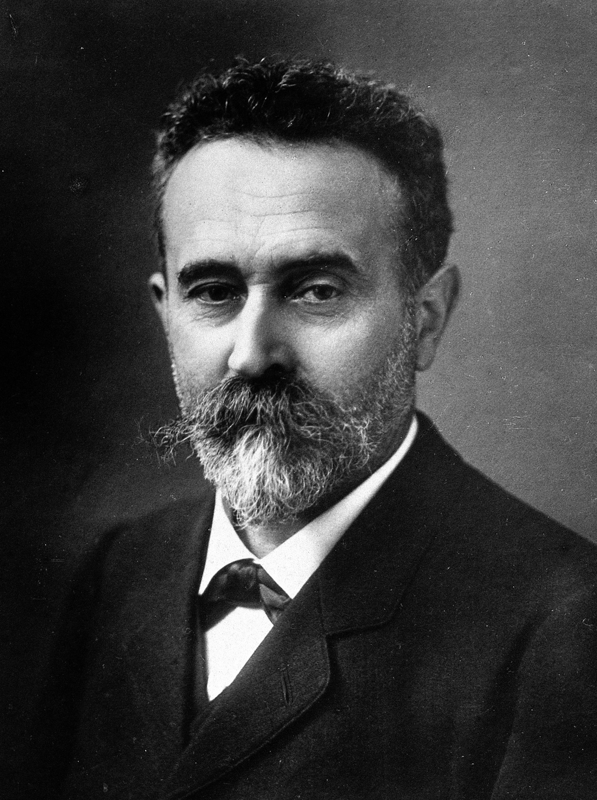 Image of Alphonse Bertillon from Wikidata