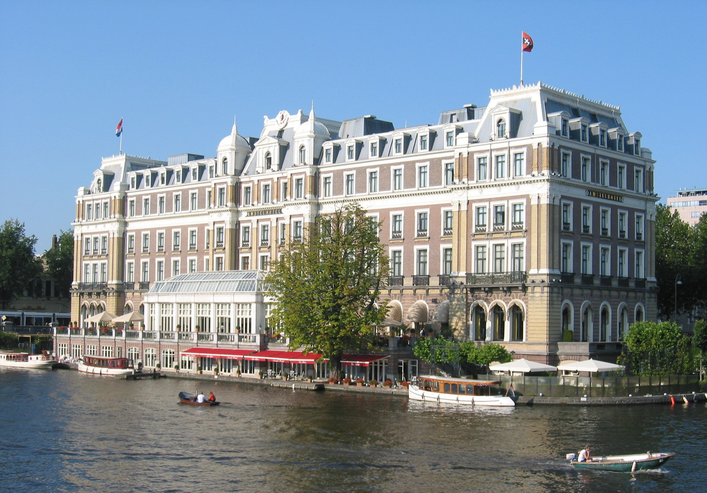 amstel hotel in amsterdam monument