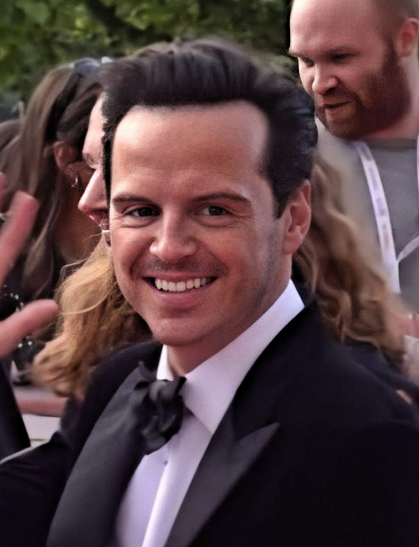 The 43-year old son of father (?) and mother(?) Andrew Scott in 2020 photo. Andrew Scott earned a million dollar salary - leaving the net worth at 3 million in 2020