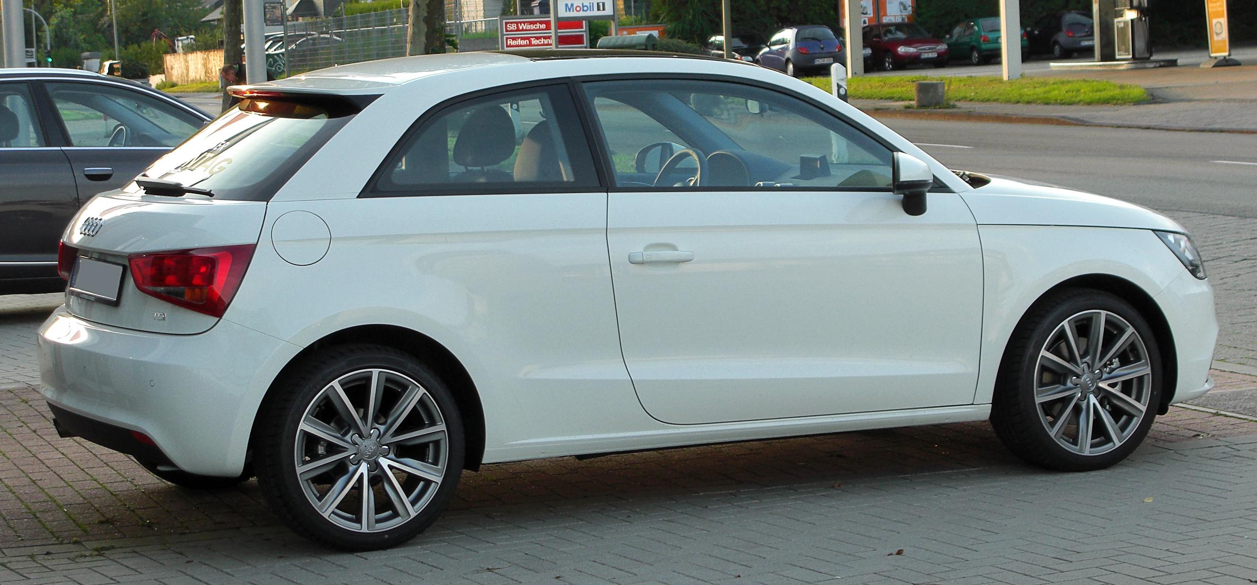 File:Audi A1 1.6 TDI Ambition rear 20100901.jpg - Wikimedia Commons