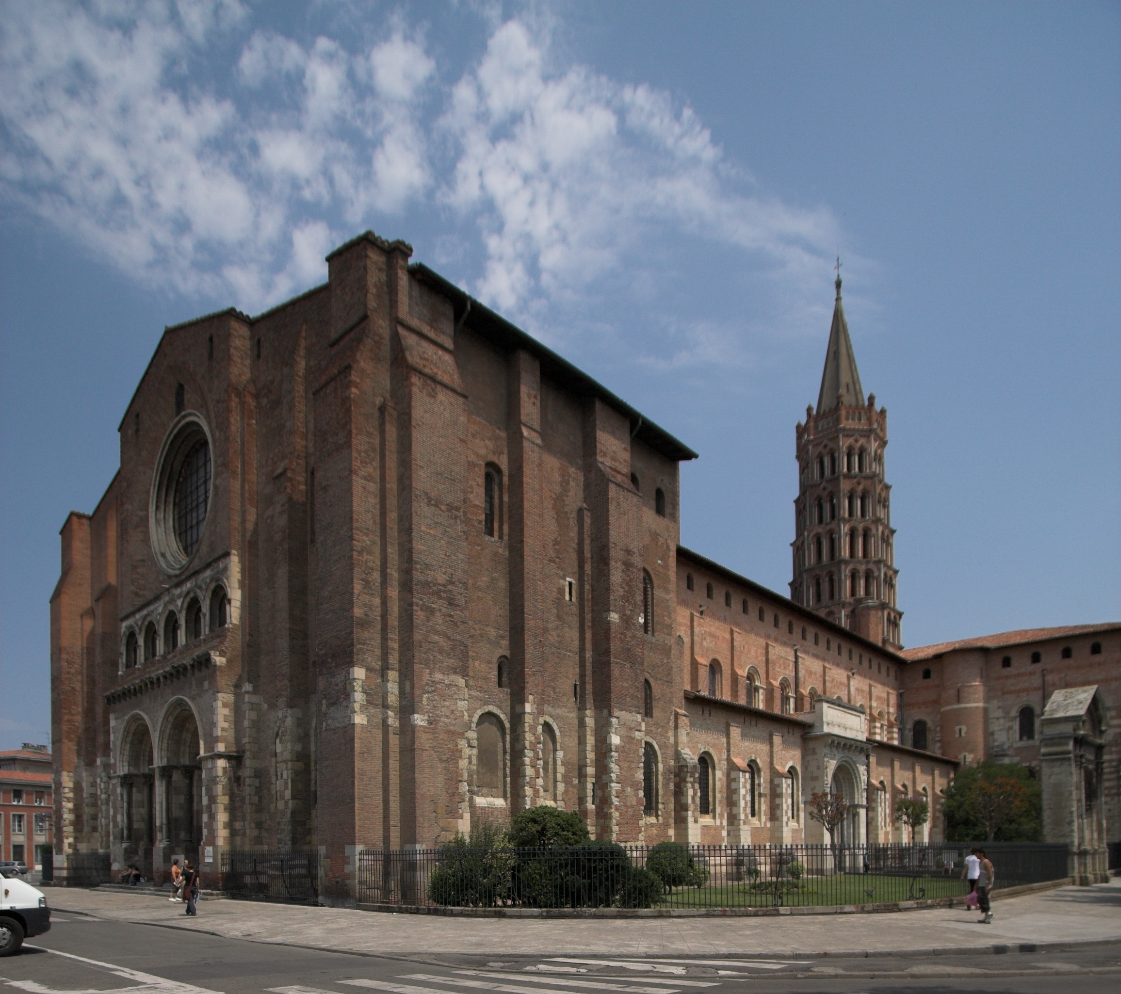 an introduction to saint sernin of toulouse and notre dame of paris