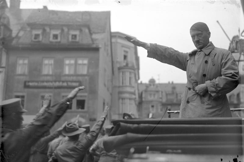 Bundesarchiv Bild 102-13166, Adolf Hitler