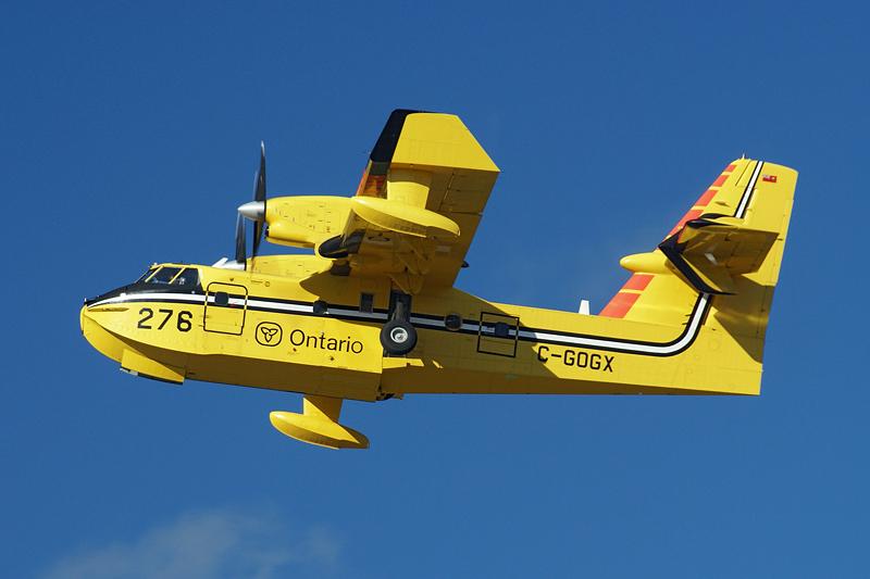 Canadair_CL-415_C-GOGX_Ontario_2.jpg