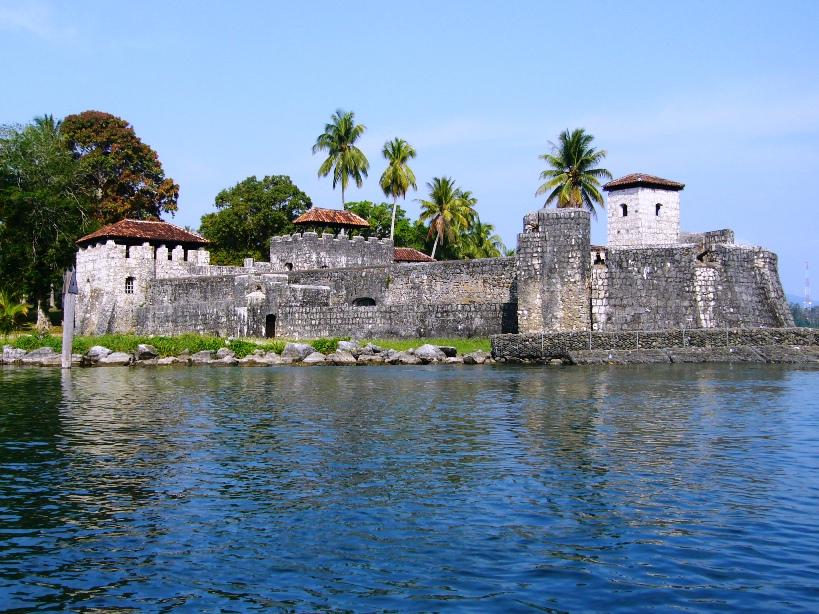 Castillo de San Felipe Guatemala Wikipedia File Castillo de San Felipe Jpg