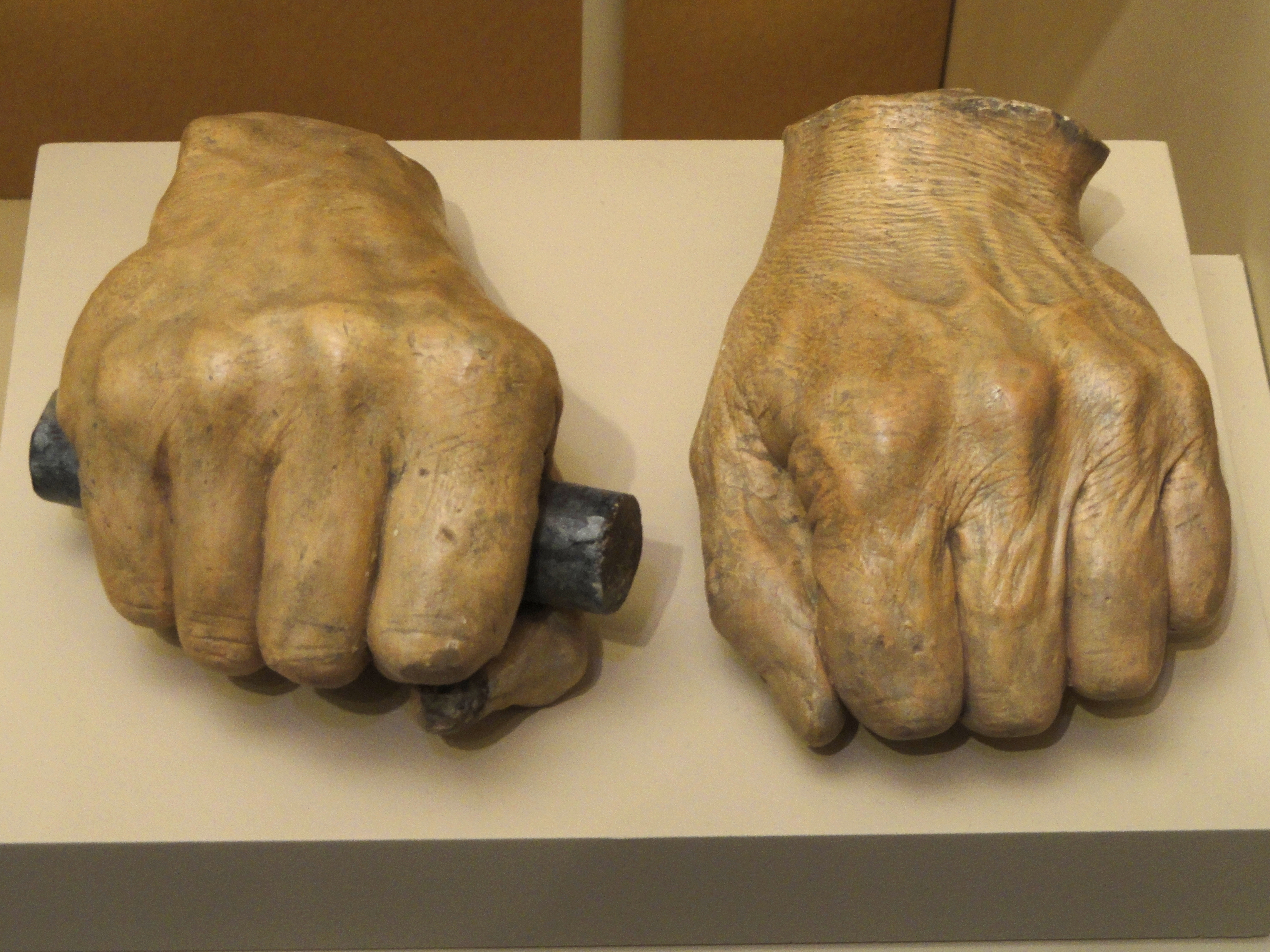 File Casts Of Abraham Lincoln S Hands Taken By Leonard