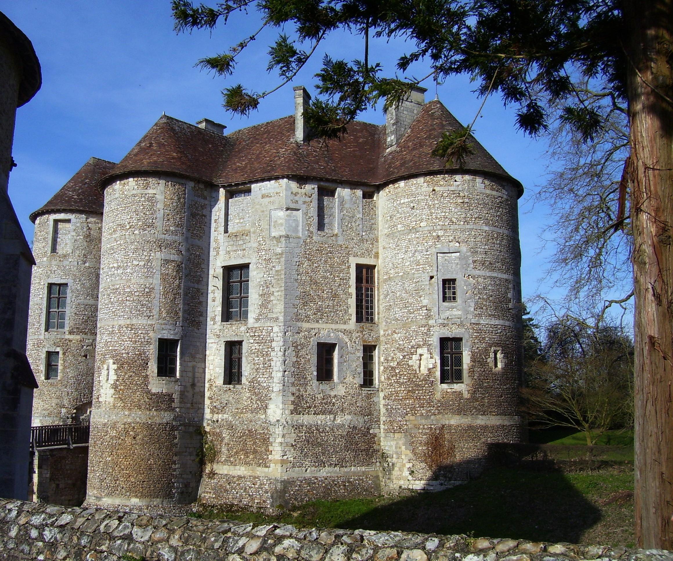 seitlicher Blick vom Châtelet auf das Hauptgebäude, eigenes Foto, Lizenz:CC by