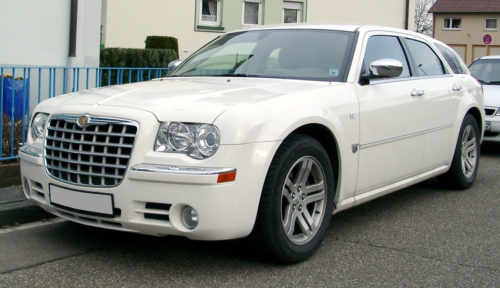 File Chrysler 300c Front 20080123 Jpg Wikimedia Commons
