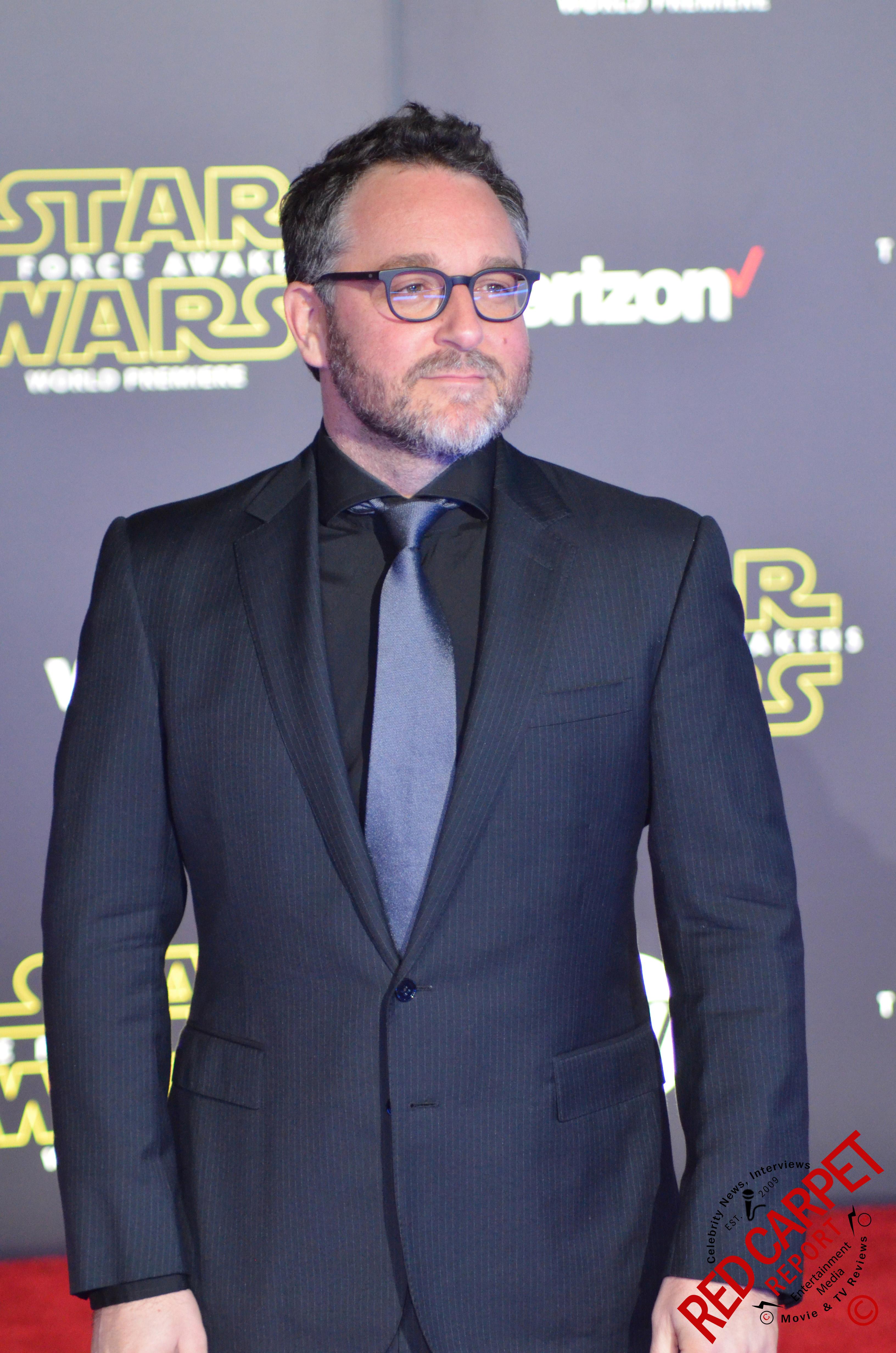 ファイル colin treverow at the world premiere of star wars the force