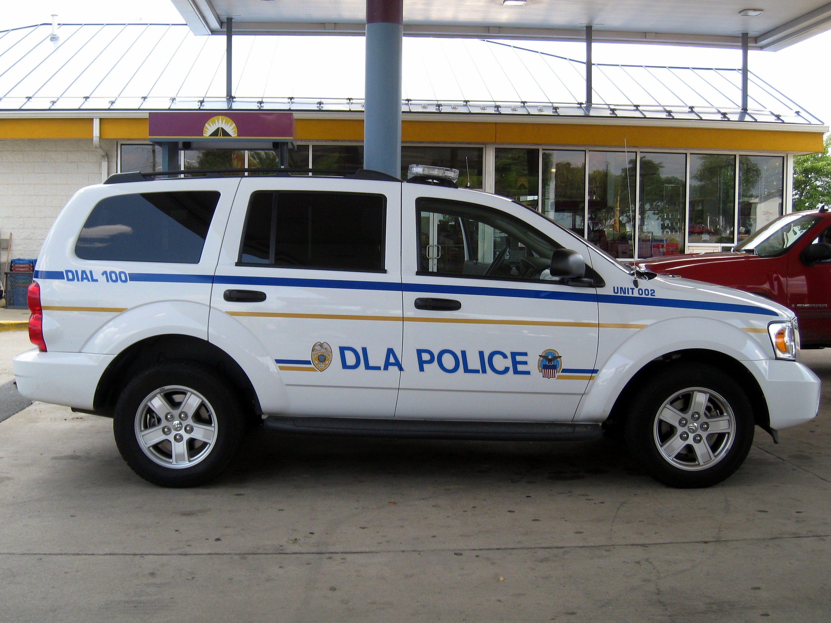 File:Defense Logistics Agency Police Vehicle.jpg ...