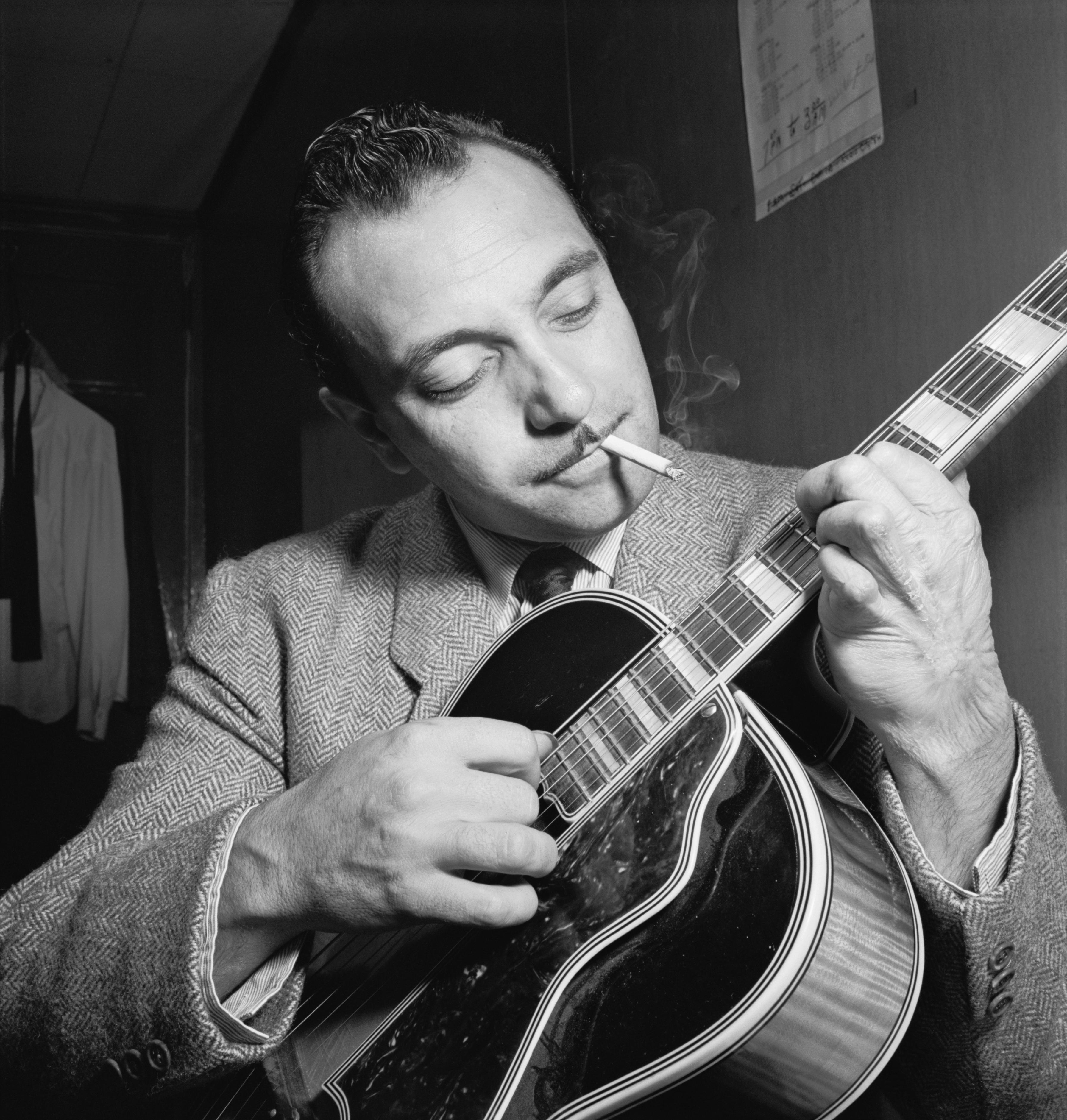 django reinhardt Loose, intermittently compelling biopic of jazz great django reinhardt offers a much-deserved spotlight role for french actor reda kateb.