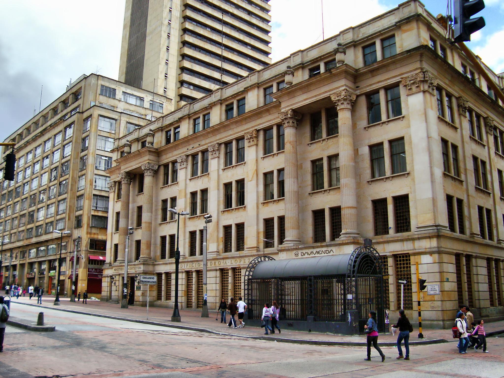 [[Edificio Pedro A. López