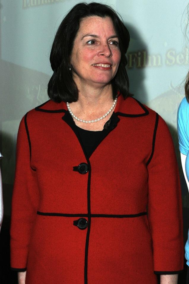 Elizabeth H . Roberts