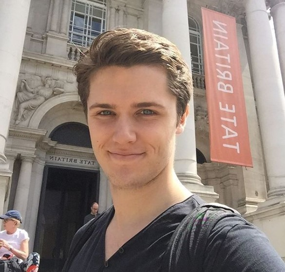 Den 26-år gammal, 187 cm lång Eugene Simon in 2018 photo